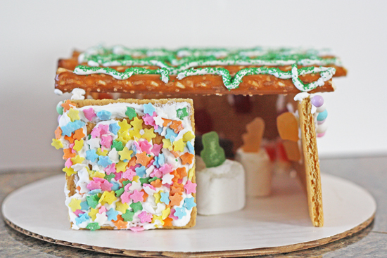 graham-cracker-sukkah